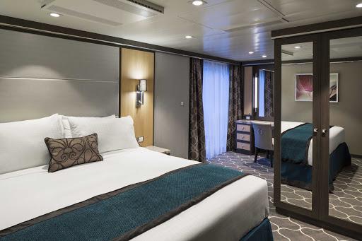 Harmony-of-the-Seas-Aquatheater-bedroomR-deck8.jpg -  An AquaTheater stateroom on deck 8 of Harmony of the Seas.