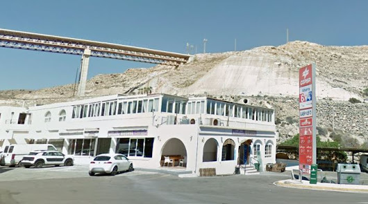 Desalojan un bar en Almería en el que había 97 personas bailando sin mascarilla