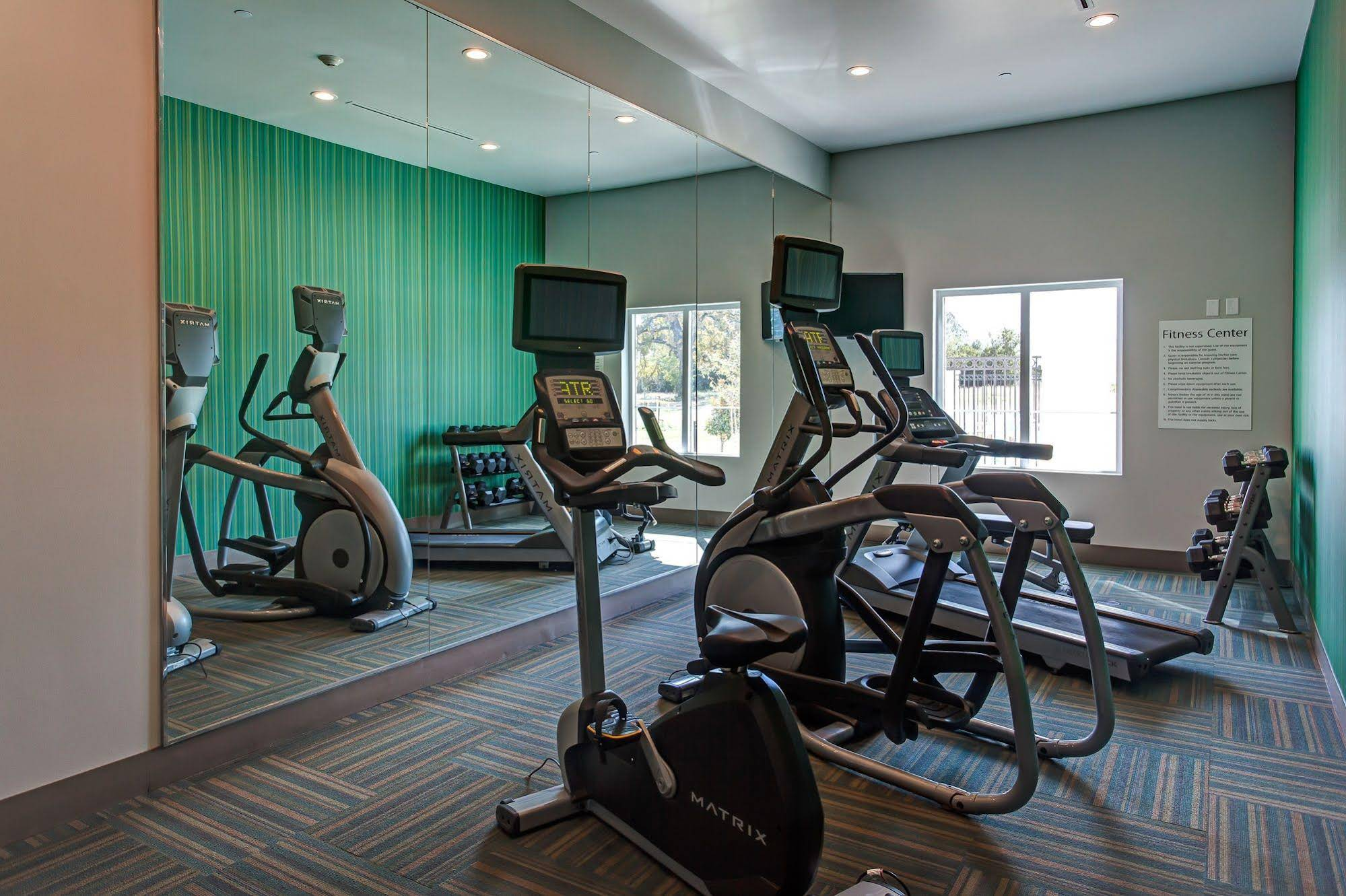 Holiday Inn Express and Suites Gatesville