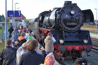 Ankunft aus dem Tantower Bahnhof (Bild Hartmut Babst)