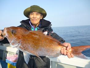 Photo: 今度はハンサム真鯛! これまた3kgオーバー! ・・・彼氏と彼女を釣り上げました!