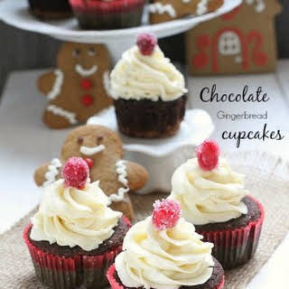 Chocolate Gingerbread Cupcakes with White Chocolate Frosting {gf}.