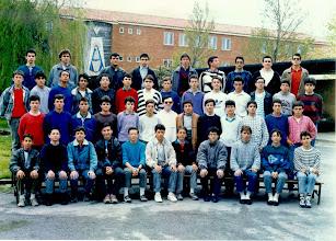 Photo: 1987-1988 Segundo de BUP.Anda! Mi curso! Esa foto la tengo también en papel. ¿Por qué no miraría a la cámara? (en la fila de arriba). JLPA