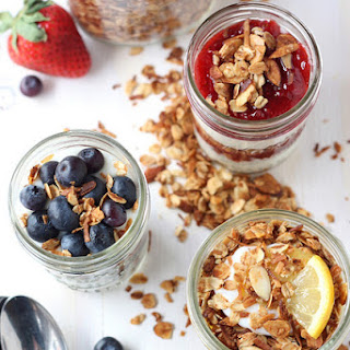 Easy Yogurt and Granola Breakfast Parfaits