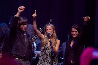 "Photo: AUSTIN, TX - APRIL 20:  (L - R) Rhett Miller, Sheryl Crow, and Brandi Carlile perform during ""We Walk The Line: A Celebration Of The Music Of Johnny Cash"" at ACL Live on April 20, 2012 in Austin, Texas.  (Photo by Rick Kern/WireImage)"