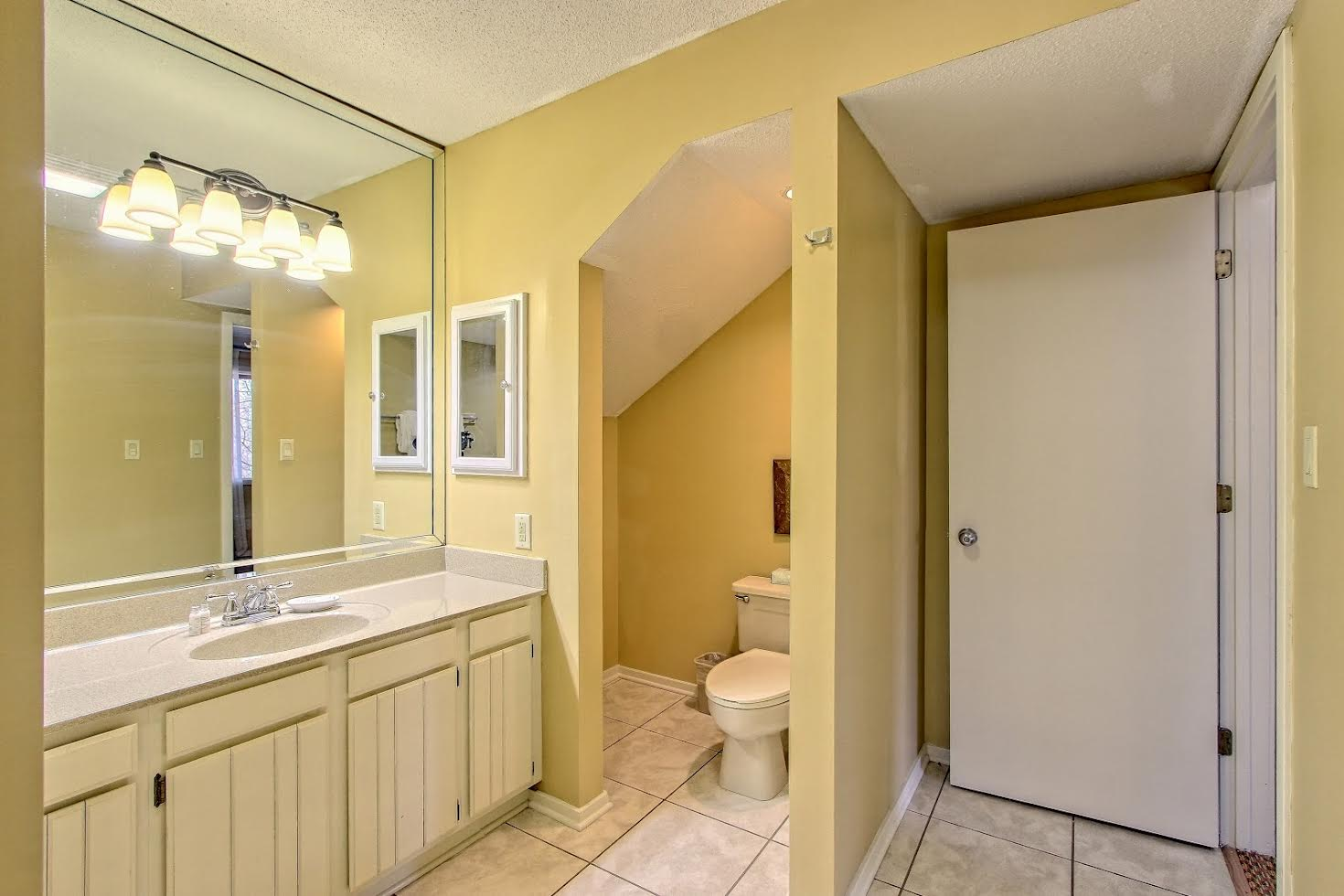 Two Bedroom Suite Picture Number 6