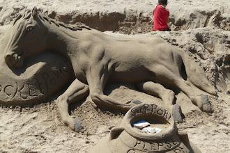 Photo: Sandkuns op die hoofstrand