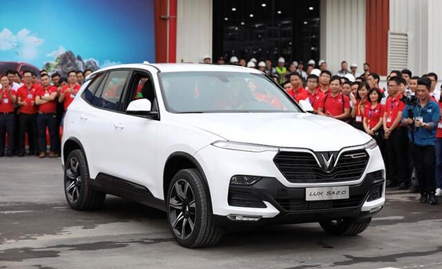Hiện tại trên thị trường, giá xe Vinfast Lux 2.0 là 1,422,000,000 VND