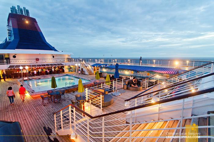 Star Cruises Singapore Malaysia Cruise Top Deck