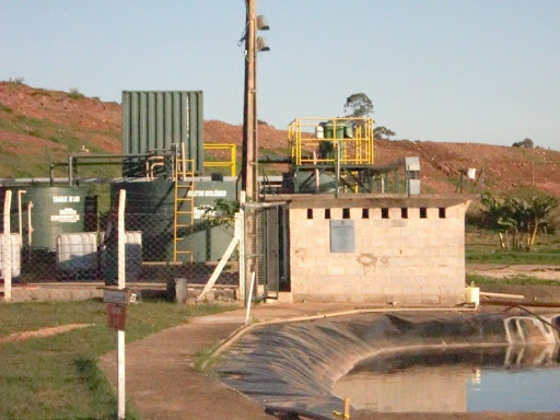 Aterro sanitário e lagoa de Lixiviado 2