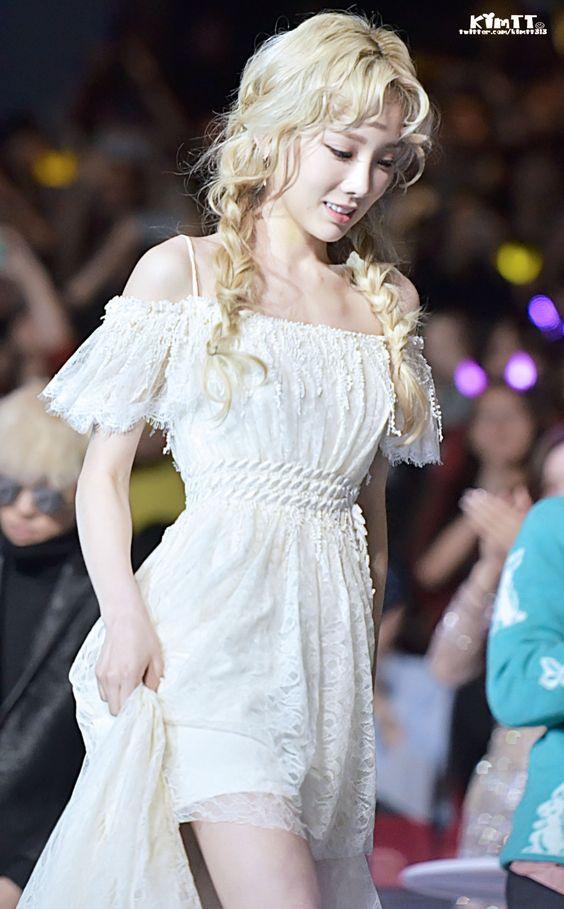 taeyeon shoulder 9