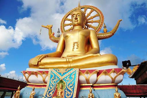 Buddha-Koh-Samui-Thailand.jpg - Wat Phra Yai golden Buddha in Koh Samui, Thailand.