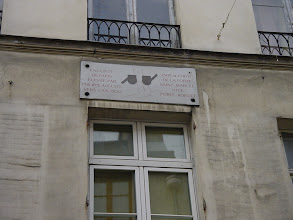 Photo: Another plaque, high on a building at 50 Rue Descartes, notes the Porte Bordet (simply the name of the man who owned this land when the Wall was built) at this site.