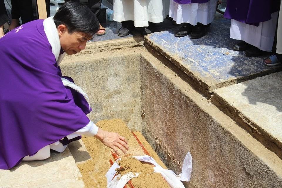 Lễ an táng ông cố Giacobe Đỗ Trí có đến 3 Đức Cha, hơn 300 linh mục - Ảnh minh hoạ 9