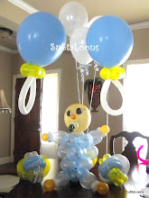 Photo: BabyLoon with pacifier & ball balloons
