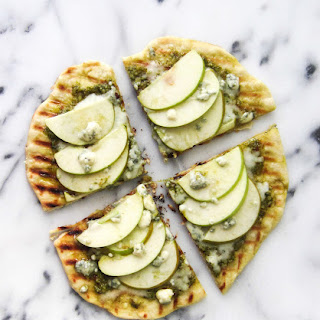 Grilled Apple and Blue Cheese Flatbread with Arugula Pesto