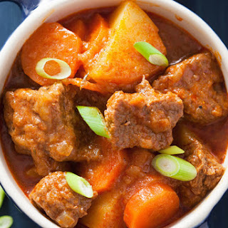 Winter Beef Stew with Carrots and Potatoes