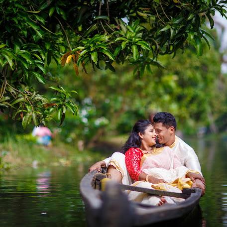 Wedding photographer Namit Narlawar (knottyaffair). Photo of 17.11.2017