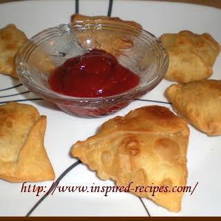 Aloo Paneer Samosa ( Potato and Cottage Cheese stuffed pastries).