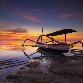 Be the one by I Made  Sukarnawan - Transportation Boats ( sunset, boats, reflections, sunrise, landscape )