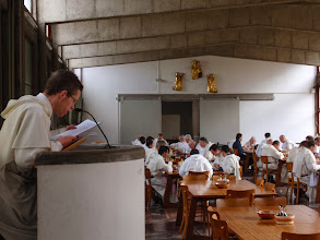 Photo: Na pokračování je předčítána papežská exhortace Evangelii gaudium.