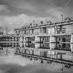 by Robin Alin - Black & White Buildings & Architecture (  )