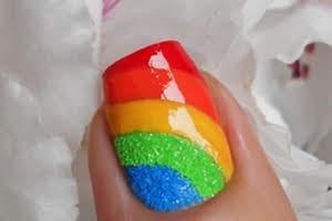 nail-art-soffiodidea-arcobaleno-pupamilano