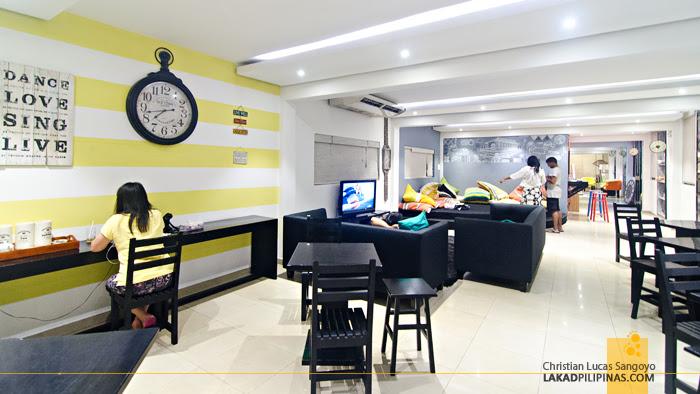Clock Inn Colombo Dining Lounge