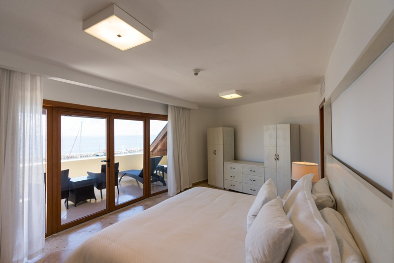<small>Admiral Suite with</small>  Sea View