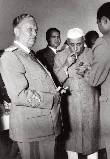 Marshal Tito and Jawaharlal Nehru take off for a smoke