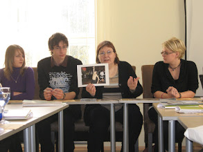 Photo: Dialogue without Subtitles –koulutus Viro 12. - 16.10.2008 - Nadja Zhandr esittelee Miratalon toimintaa eurooppalaisille nuorille.