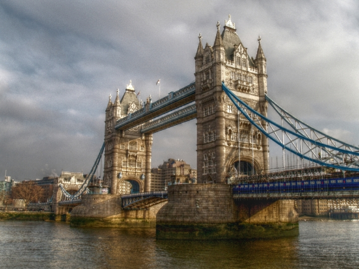 TOWER BRIDGE2 di Paolo Scabbia