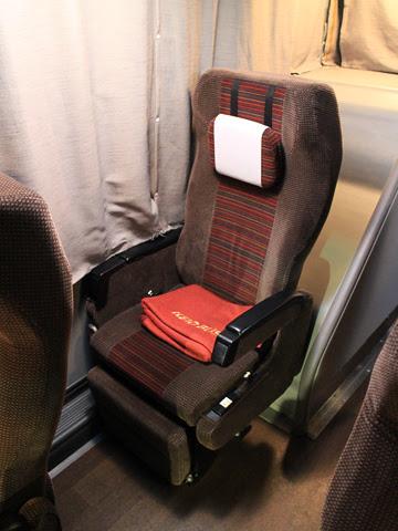 京王バス東「新宿神戸姫路線」(プリンセスロード) 81553 シート