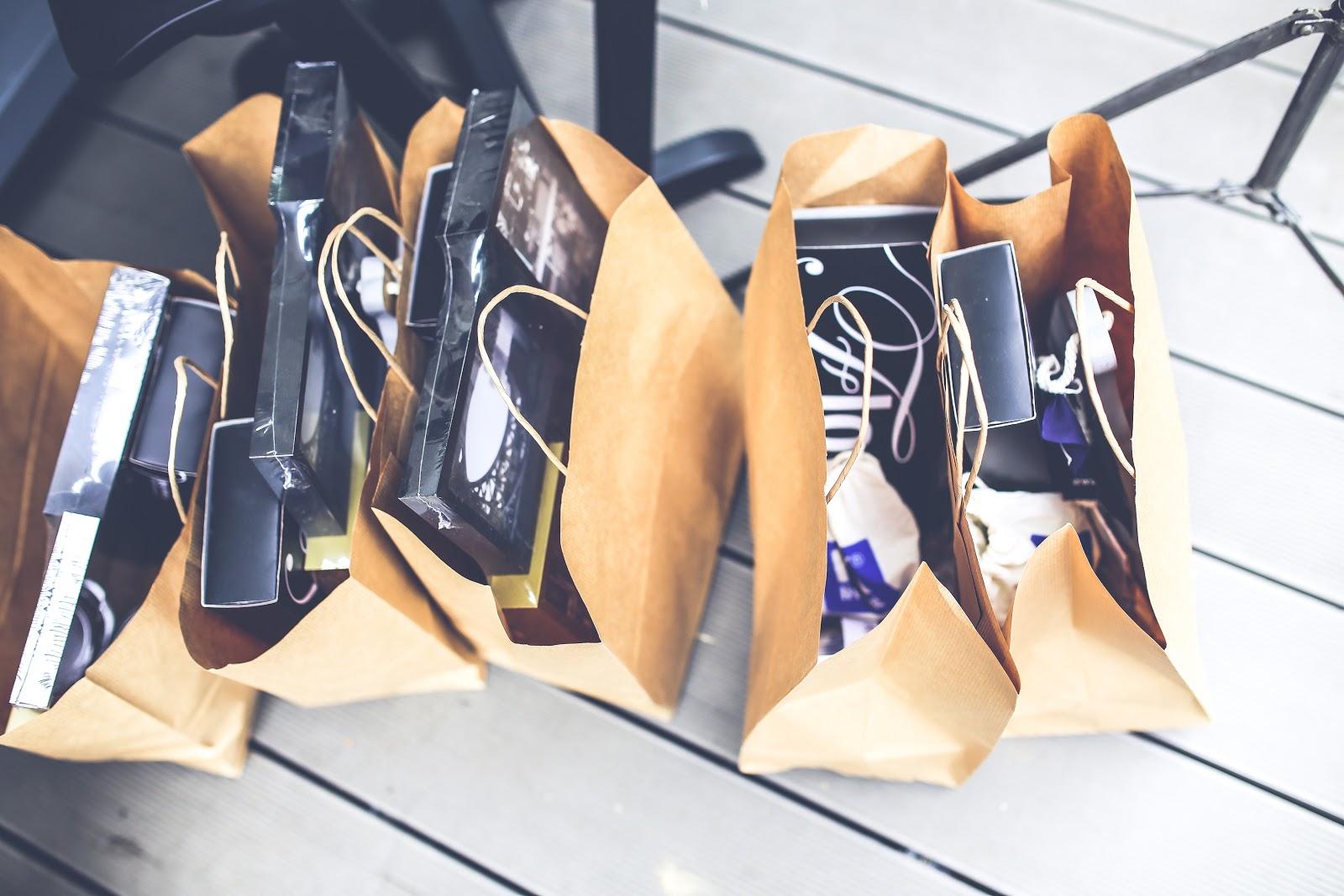 שקיות קניות