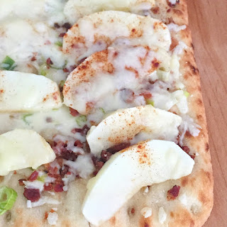 Apple, Bacon and Maple Syrup Flatbread Pizza Recipe