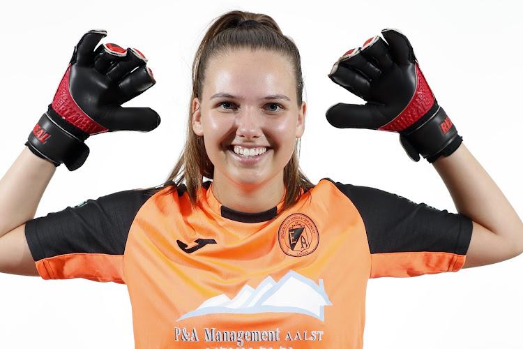 """""""Stay strong Sil"""": doelvrouw Eendracht Aalst breekt kuitbeen in dramatisch wedstrijdeinde"""