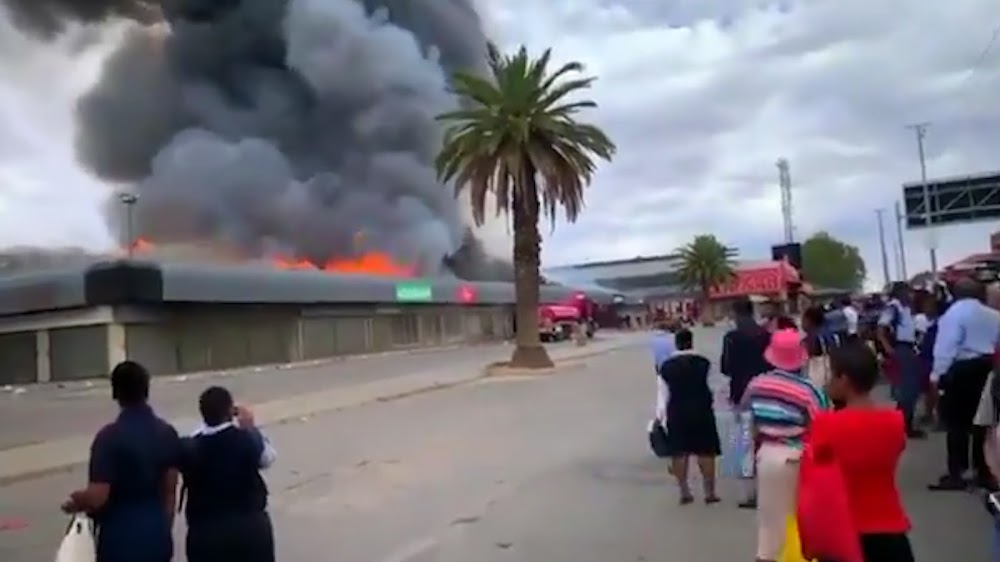 WATCH | Fire engulfs shops at Mahikeng mall - TimesLIVE