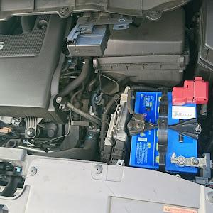 エルグランド PE52 HS アーバンクロムブラックレザーのバッテリーのカスタム事例画像 まっつん@PE52さんの2018年11月10日12:06の投稿
