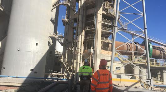 Cemex asegura que aún mantiene una plantilla de 57 trabajadores en Almería