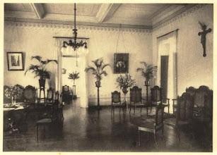 Photo: Interior do Colégio Notre Dame de Sion. Parlatório ou locutório. Foto da década de 30