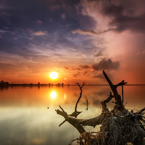 The Log and The Sunrise by Ade Irgha - Landscapes Sunsets & Sunrises ( clouds, waterscape, explorebali, sunrise, log )