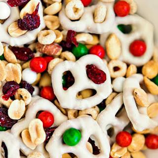 FLIPZ® Christmas Snack Mix
