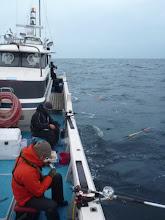 Photo: さあー、本日はいつもジギングでご乗船 頂いてるメンバーが「ウキ流し」で勝負!