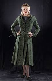 How to make a Narcissa Malfoy (Harry Potter) costume   Harry potter  cosplay, Harry potter wiki, Harry potter costume