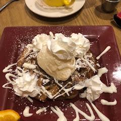 Apple pie pancakes - with a scoop of vanilla ice cream!