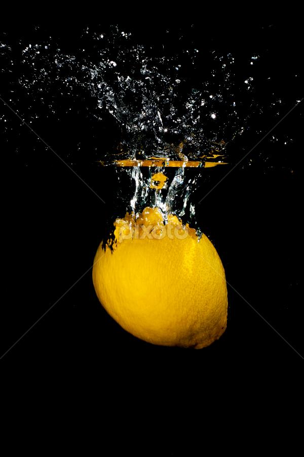 by WanUkay Perdana - Food & Drink Fruits & Vegetables ( tutorial splash water, malaysia, splash water, yellow lemon, lemon )