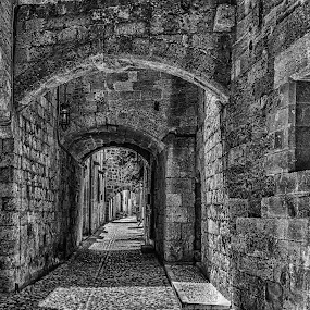 Avalon 2 by Jose Maria Vidal Sanz - Black & White Buildings & Architecture ( nikon d, black and white, old city )