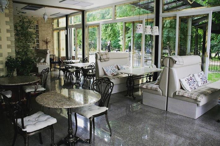 Фото №1 зала Кафе «Веранда в парке»