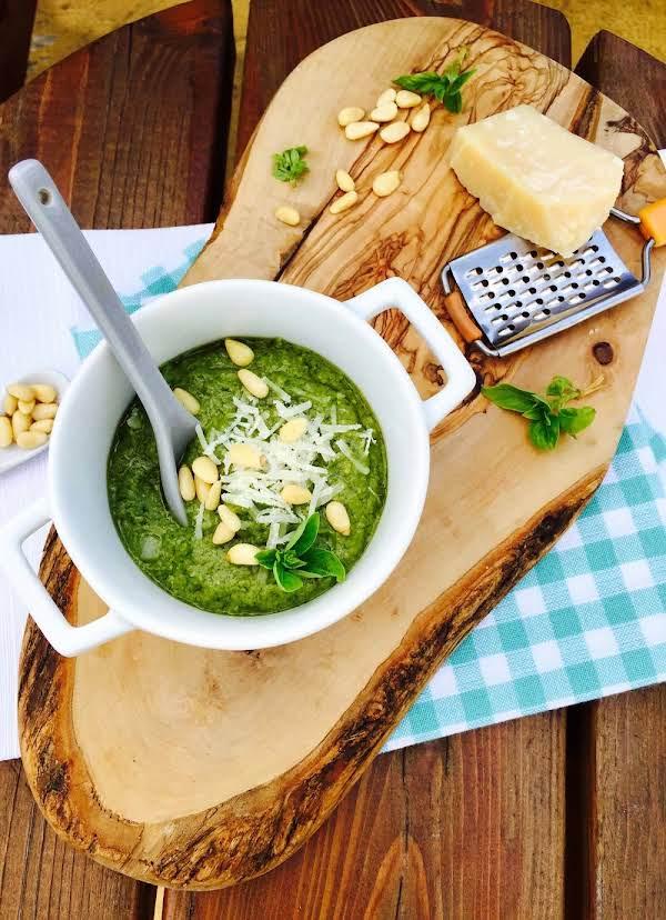 Creamy Genovese Homemade Pesto Sauce Recipe