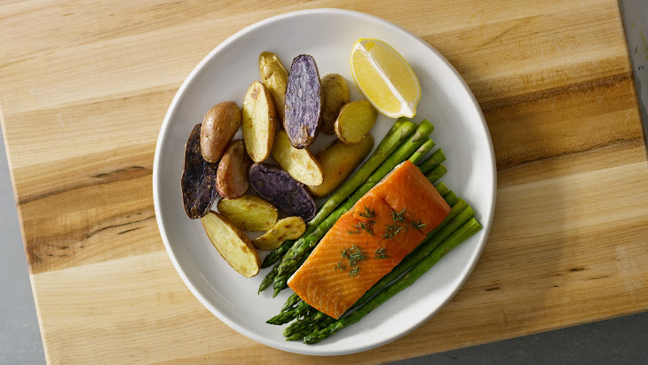 Sheet Pan Salmon & Veggies Recipe